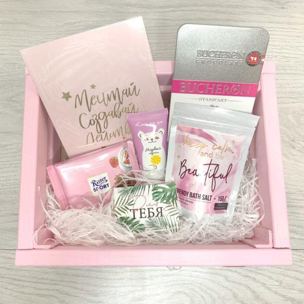 Подарочный бокс «Для ценителей розового»